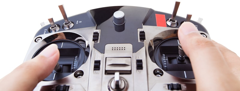 drone controler showing trim buttons