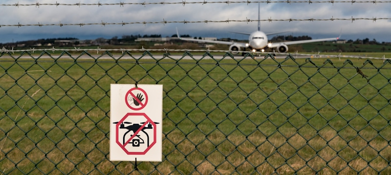 no drones allowed sign in airport