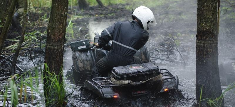 atv bogs down in mud water