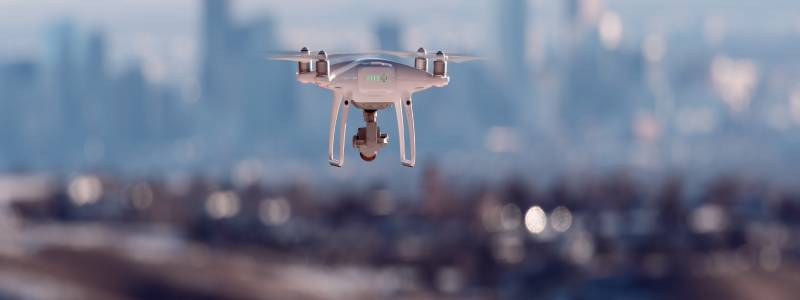 Dronehoveringovercity